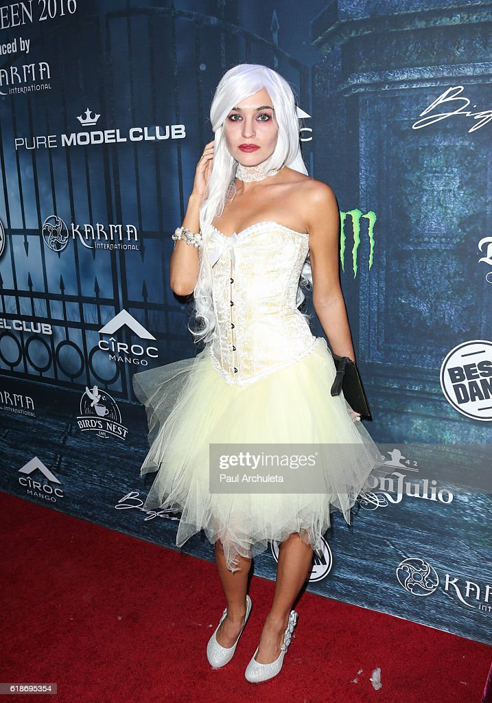Actress Teri Andrez attends Maxim Magazine's annual Halloween party on October 22, 2016 in Los Angeles, California.