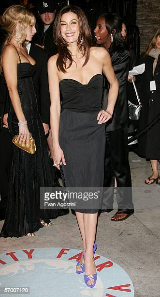 Actress Teri Hatcher arrives at the Vanity Fair Oscar Party at Mortons on March 5 2006 in West Hollywood California