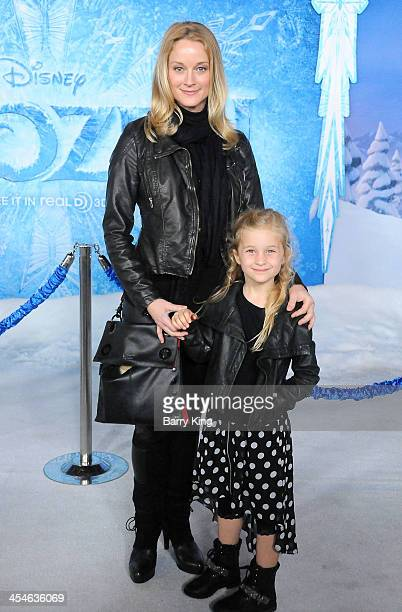 Actress Teri Polo and daughter Bayley Wollam arrive at the Los Angeles Premiere 'Frozen' on November 19 2013 at the El Capitan Theatre in Hollywood...