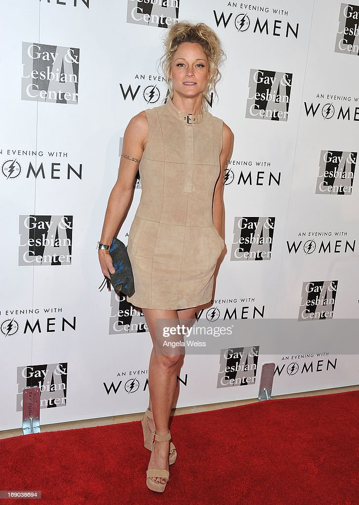 Actress Teri Polo arrives at the L.A. Gay & Lesbian Center's 2013 'An Evening With Women' Gala at The Beverly Hilton Hotel on May 18, 2013 in Beverly Hills, California.