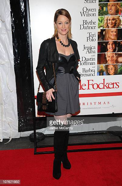 Actress Teri Polo attends the world premiere of Little Fockers at Ziegfeld Theatre on December 15 2010 in New York City