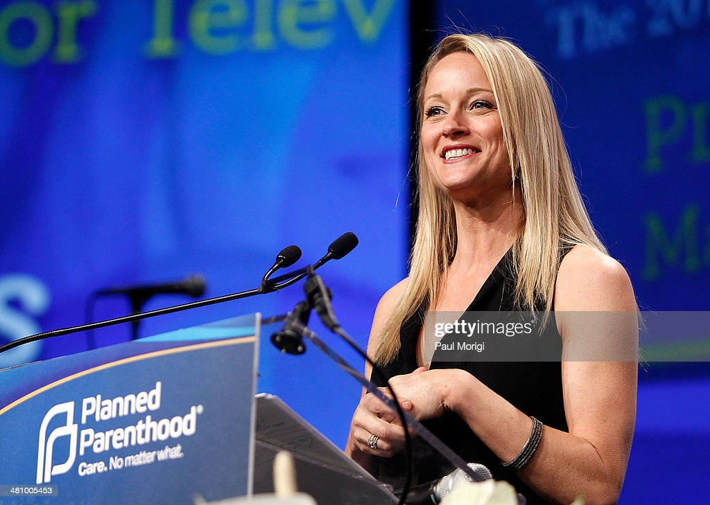 Actress Teri Polo makes a few remarks at the Planned Parenthood Federation Of America's 2014 Gala Awards Dinner at the Marriott Wardman Park Hotel on March 27, 2014 in Washington, DC.