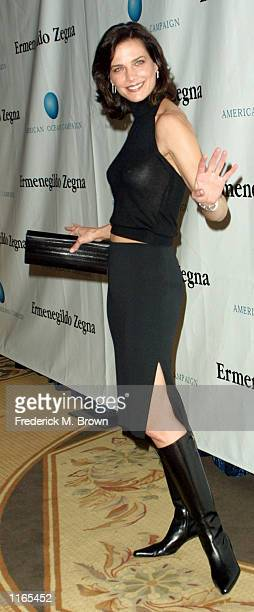 Actress Terry Farrell arrives at the American Oceans Campaign 2001 Partners Award honoring former President William Jefferson Clinton October 2 2001...
