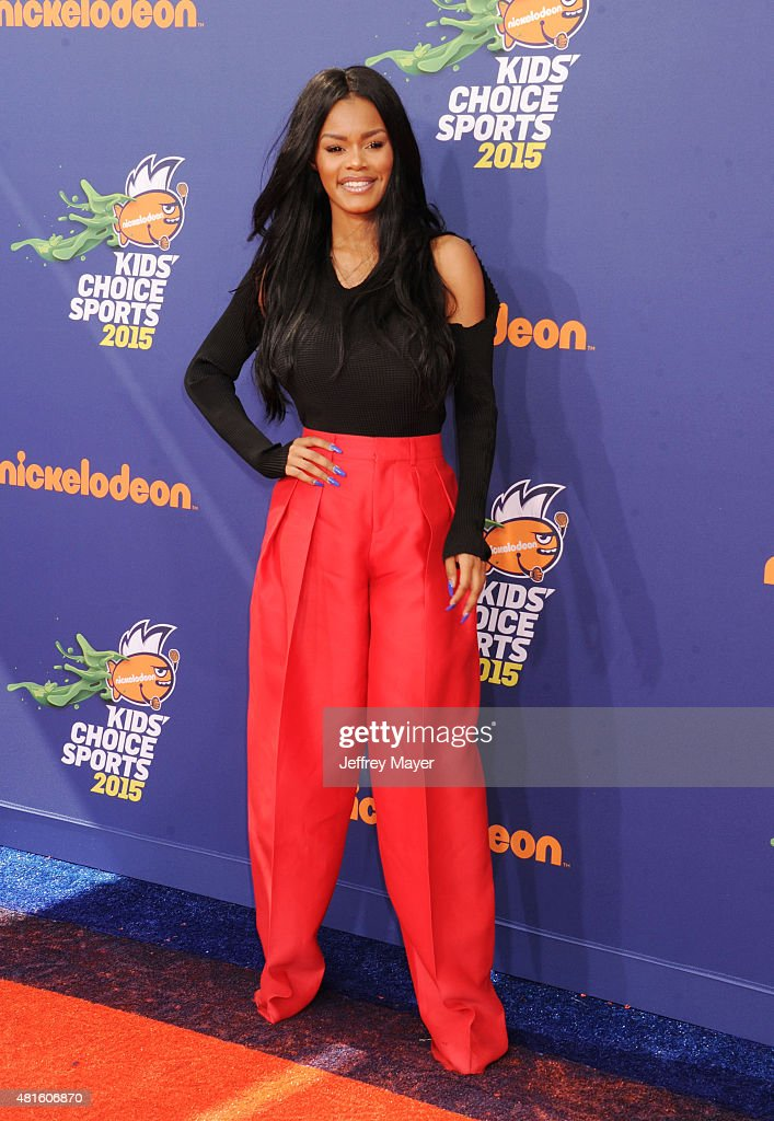 Actress Teyana Taylor arrives at the Nickelodeon Kids' Choice Sports Awards 2015 at UCLA's Pauley Pavilion on July 16, 2015 in Westwood, California.