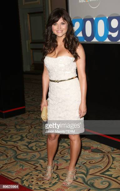 Actress TiffaniAmber Thiessen arrives at NBC Universal's allstar press tour party on August 5 2009 in Pasadena California