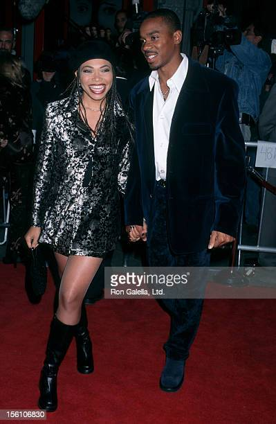 Actress Tisha Campbell and husband Duane Martin attending the premiere of 'Scream 2' on December 10 1997 at Mann Chinese Theater in Hollywood...