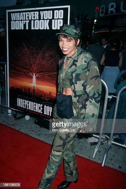 Actress Tisha Campbell attending the peremiere of 'Independence Day' on June 25 1996 at Mann Village Theater in Hollywood California