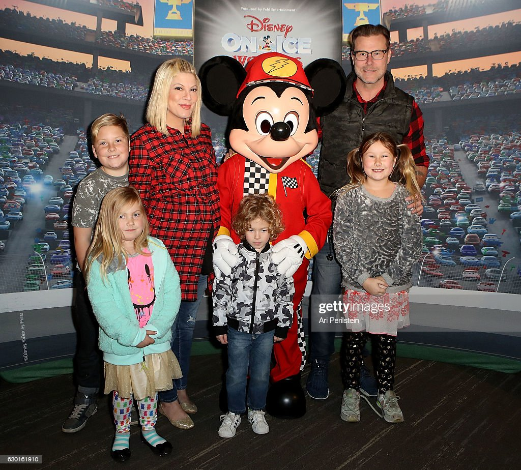 Disney On Ice presents Worlds Of Enchantment Celebrity Guests (STAPLES Center Los Angeles) : News Photo