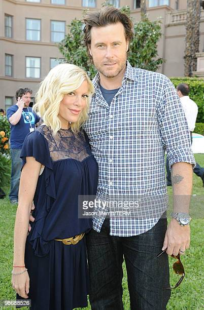 "Actress Tori Spelling and Dean McDermott pose during the NBC Universal Summer Press Day ""Days Of Our Lives"" after party on April 26, 2010 in..."