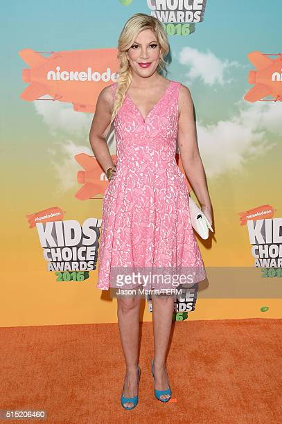 Actress Tori Spelling attends Nickelodeon's 2016 Kids' Choice Awards at The Forum on March 12 2016 in Inglewood California