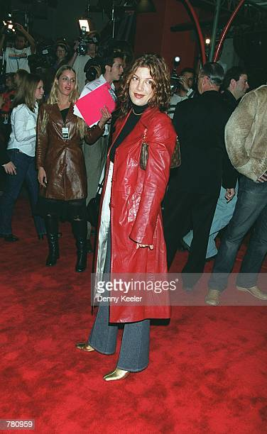 Actress Tori Spelling attends the premiere of 'Book Of Shadows Blair Witch 2' October 23 2000 in Hollywood CA