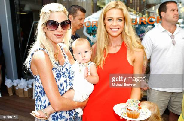 Actress Tori Spelling daughter Stella Doreen McDermott and actress Denise Richards attend the EB Medical Research Foundation picnic presented by...