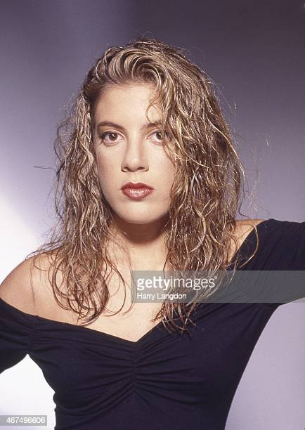 Actress Tori Spelling poses for a portrait in 1990 in Los Angeles, California.