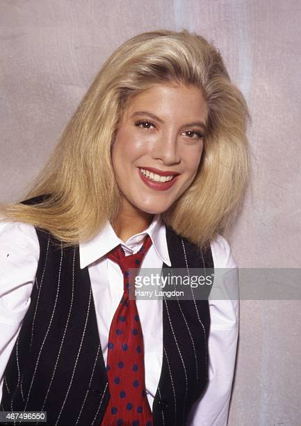 Actress Tori Spelling poses for a portrait in 1992 in Los Angeles, California.