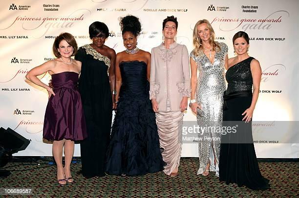 Actress Tovah Feldshuh Viola Davis Pauletta Washington Her Royal Highness Princess Caroline Bonnie Pfeifer Evans and TV Host Maggie Rodriguez attend...