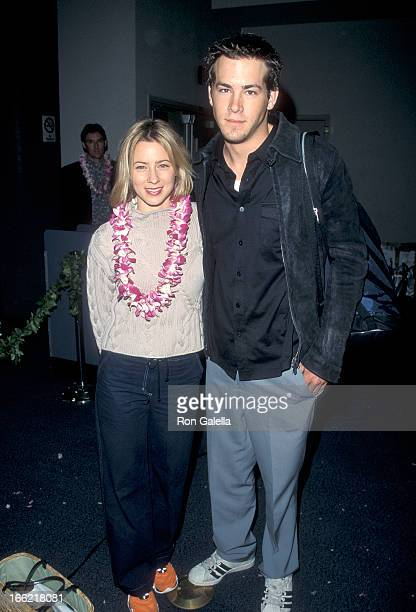 Actress Traylor Howard and actor Ryan Reynolds attend the Hawaiin Airlines' Inaugural Direct Flight from Los Angeles to Maui on March 12 1999 at the...