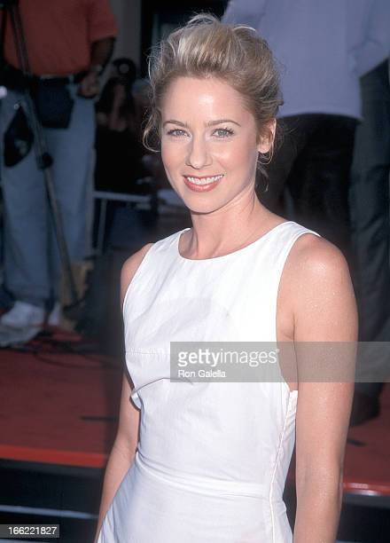 Actress Traylor Howard attends the 'Me Myself Irene' Westwood Premiere on June 15 2000 at the Mann Village Theatre in Westwood California