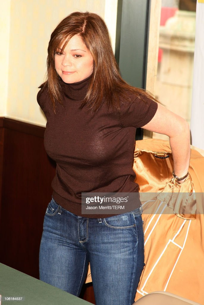 Valerie Bertinelli Book Signing at Barnes & Noble, The Grove : News Photo