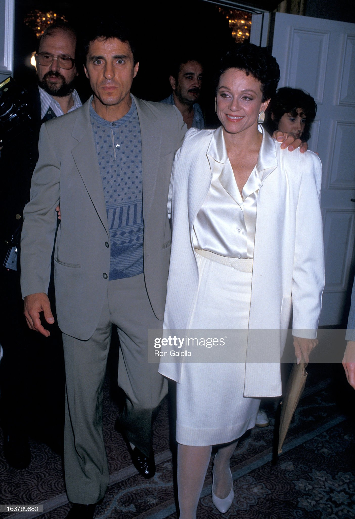 actress-valerie-harper-and-husband-tony-cacciotti-attend-valerie-picture-id163769880