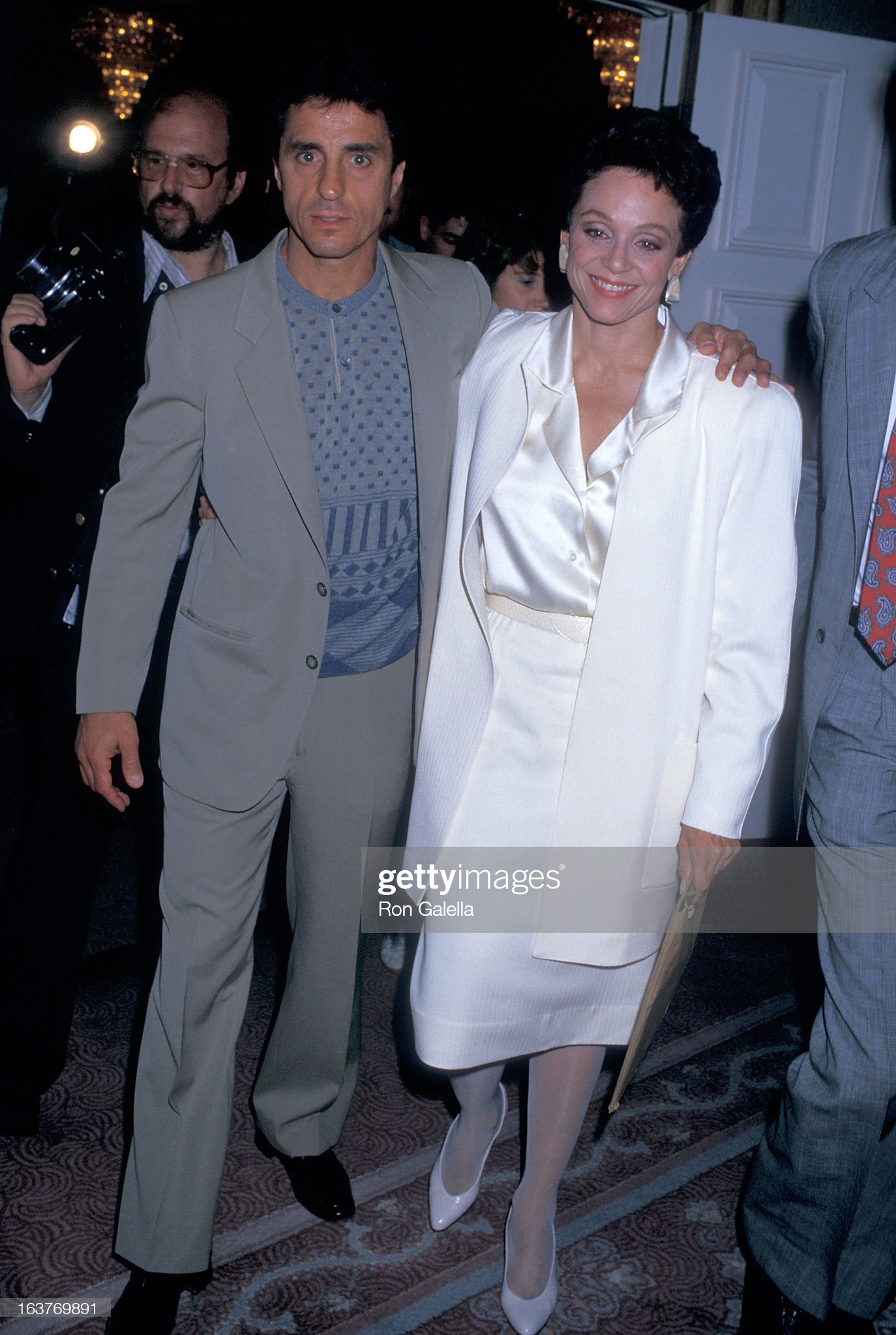 actress-valerie-harper-and-husband-tony-cacciotti-attend-valerie-picture-id163769891