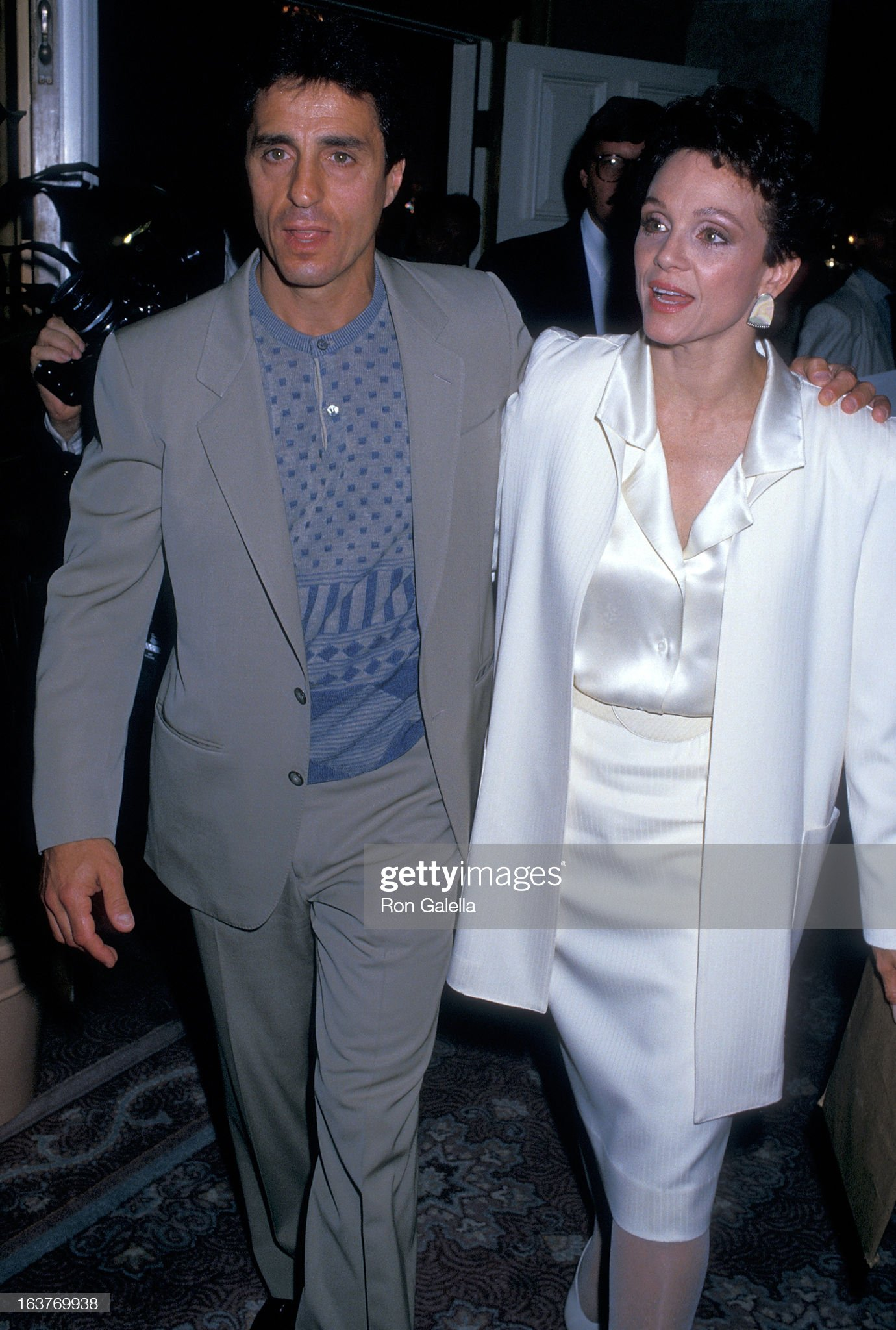 actress-valerie-harper-and-husband-tony-cacciotti-attend-valerie-picture-id163769938