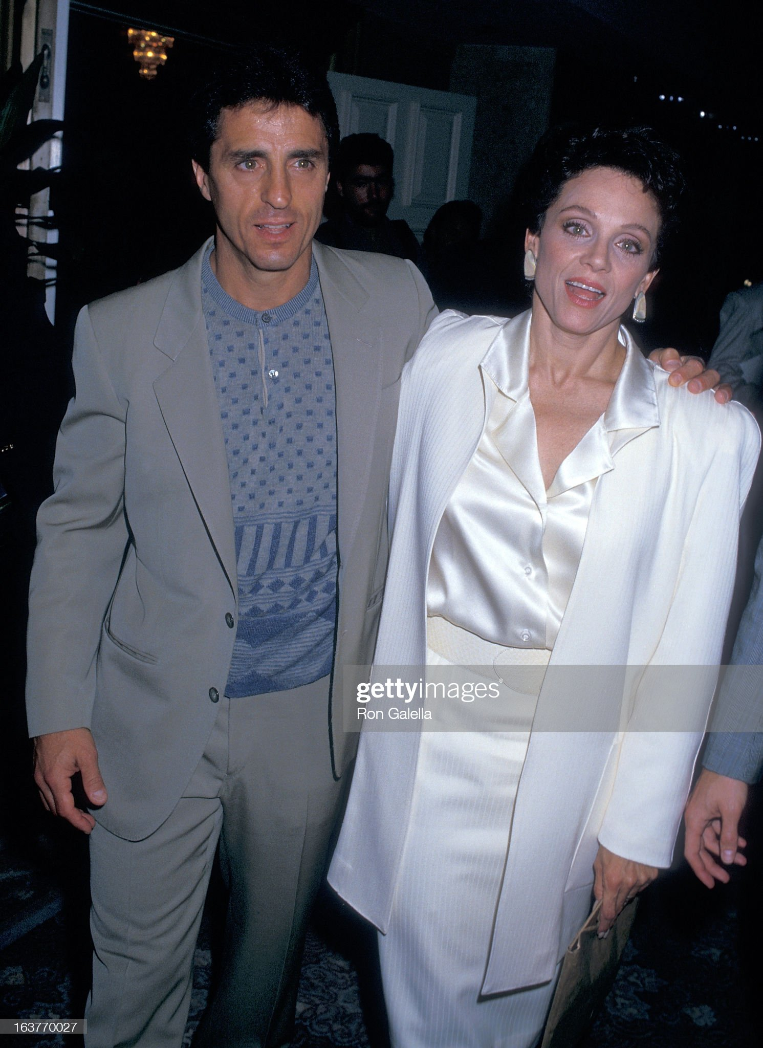 actress-valerie-harper-and-husband-tony-cacciotti-attend-valerie-picture-id163770027