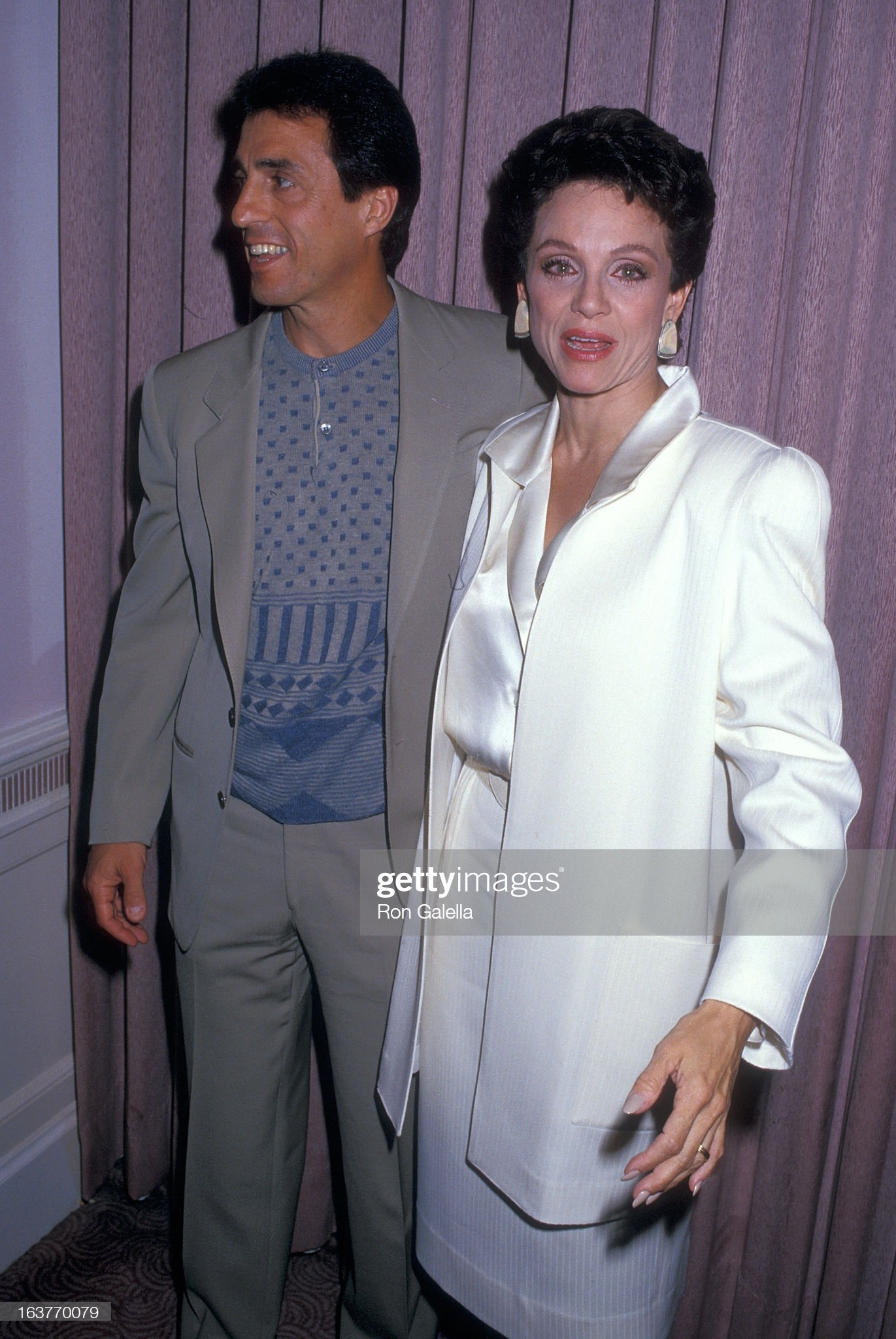 actress-valerie-harper-and-husband-tony-cacciotti-attend-valerie-picture-id163770079