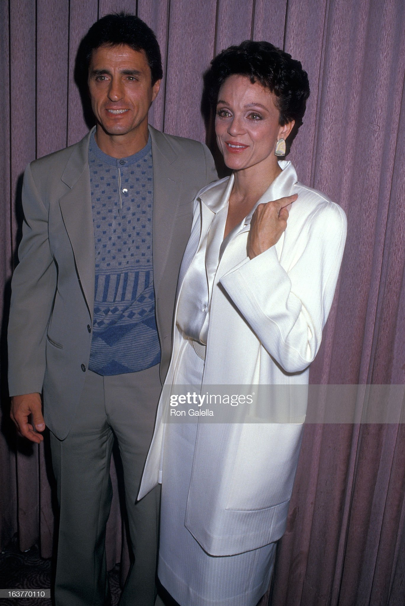 actress-valerie-harper-and-husband-tony-cacciotti-attend-valerie-picture-id163770110