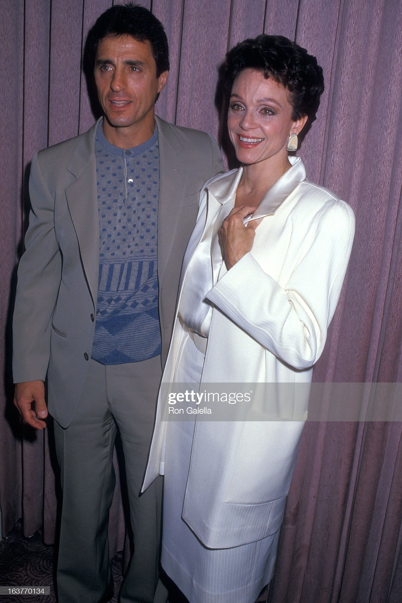 actress-valerie-harper-and-husband-tony-cacciotti-attend-valerie-picture-id163770134