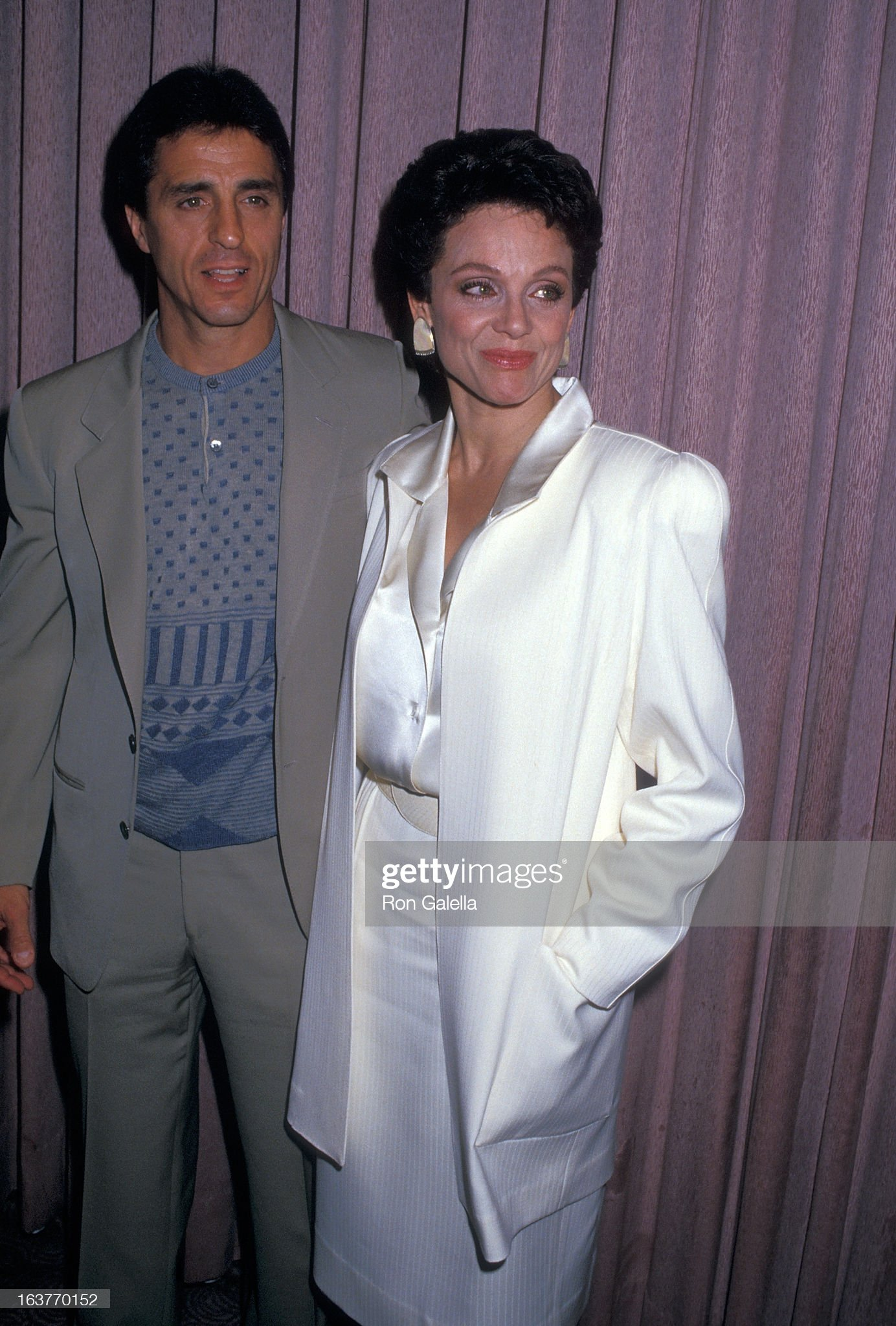 actress-valerie-harper-and-husband-tony-cacciotti-attend-valerie-picture-id163770152