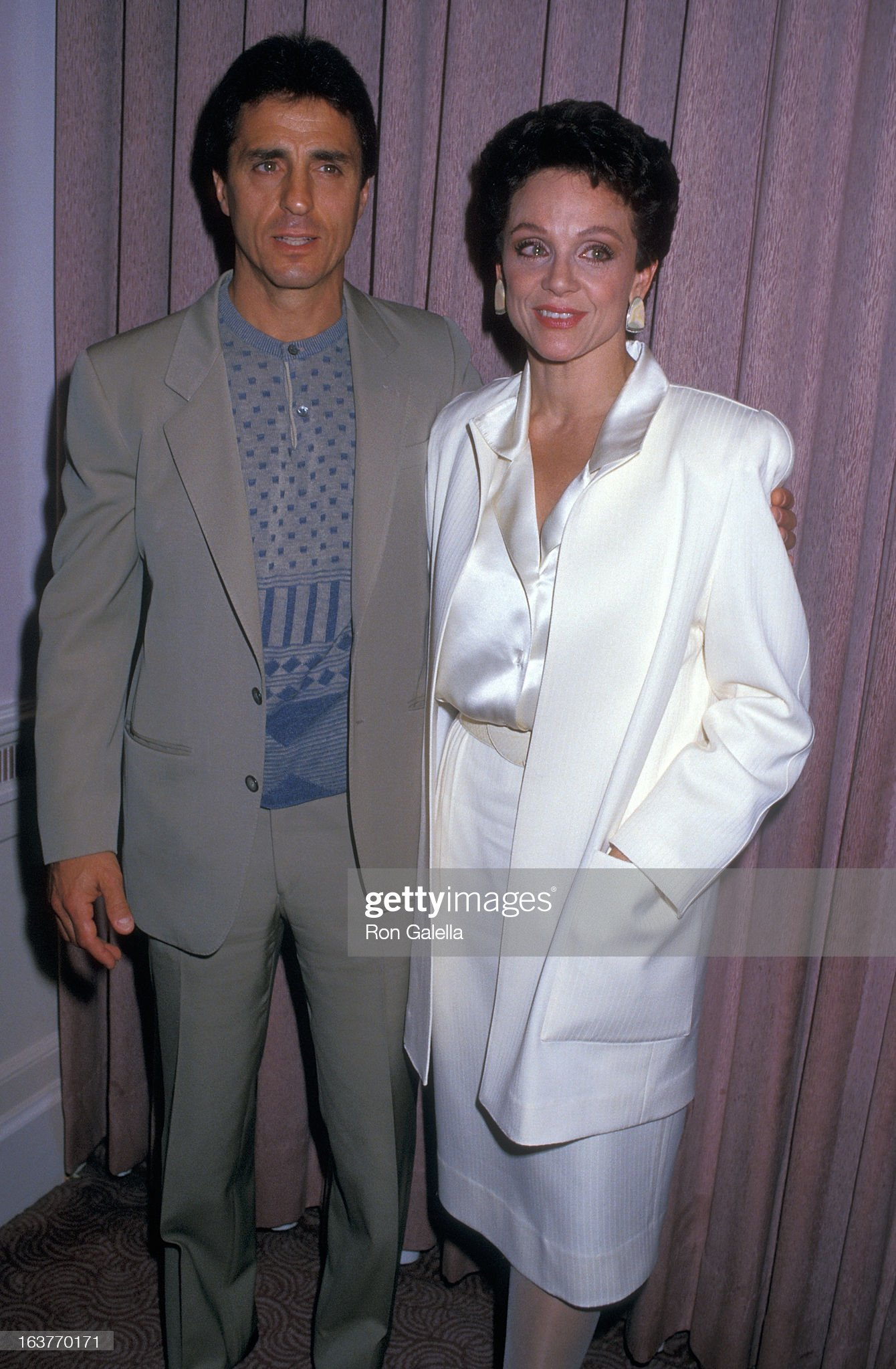 actress-valerie-harper-and-husband-tony-cacciotti-attend-valerie-picture-id163770171
