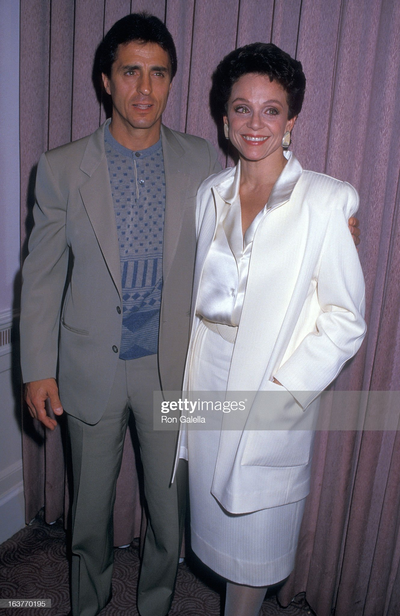 actress-valerie-harper-and-husband-tony-cacciotti-attend-valerie-picture-id163770195