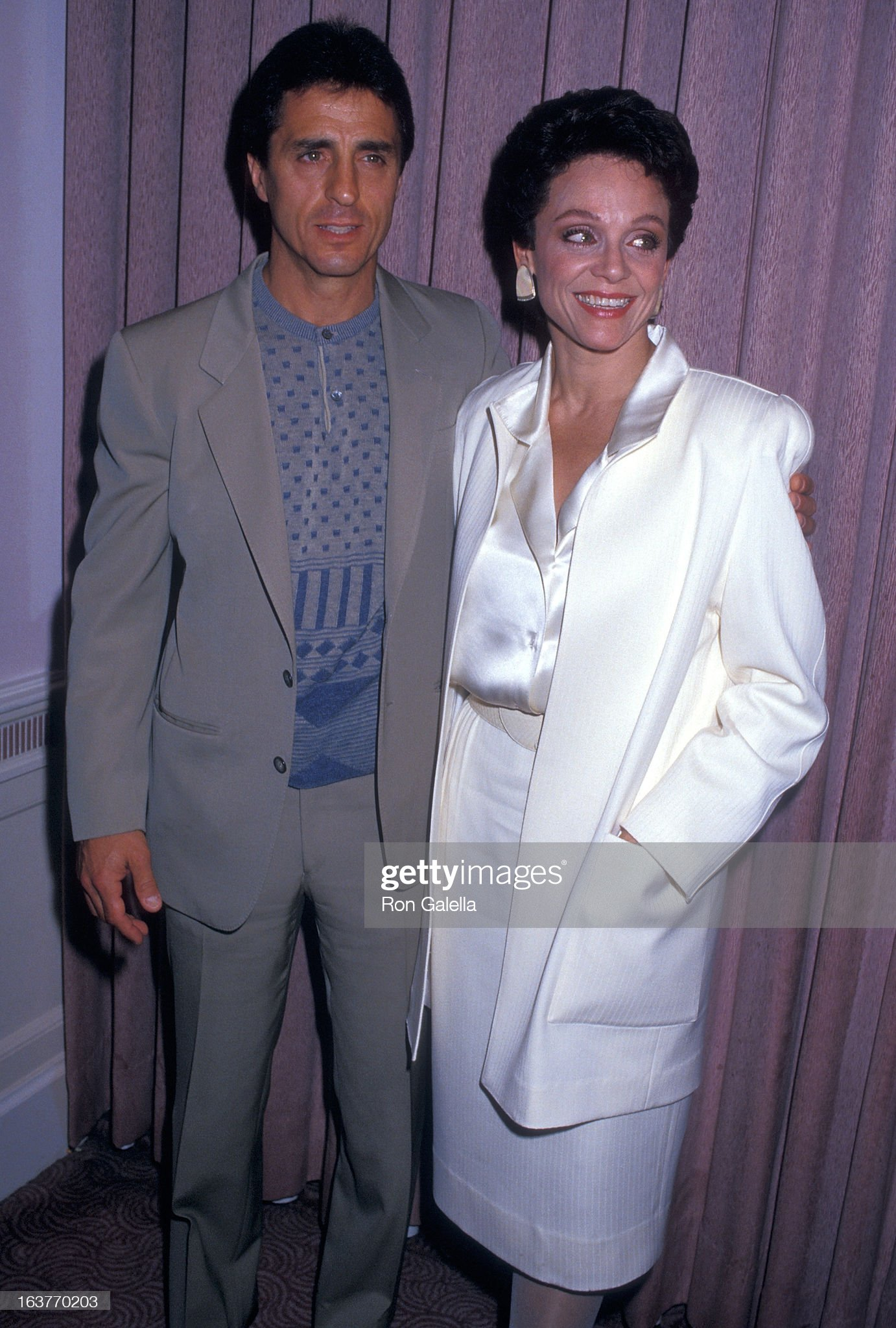 actress-valerie-harper-and-husband-tony-cacciotti-attend-valerie-picture-id163770203