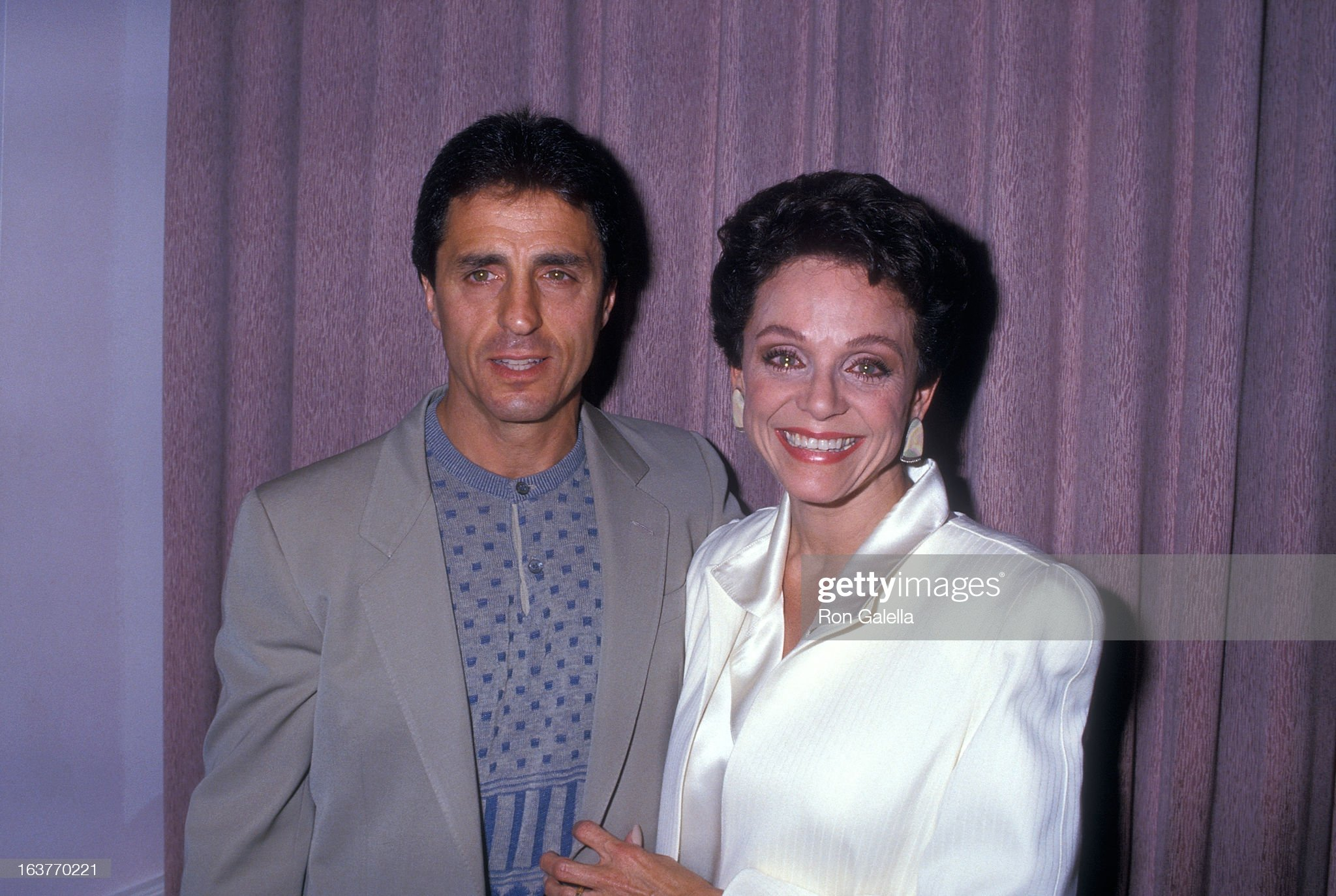 actress-valerie-harper-and-husband-tony-cacciotti-attend-valerie-picture-id163770221
