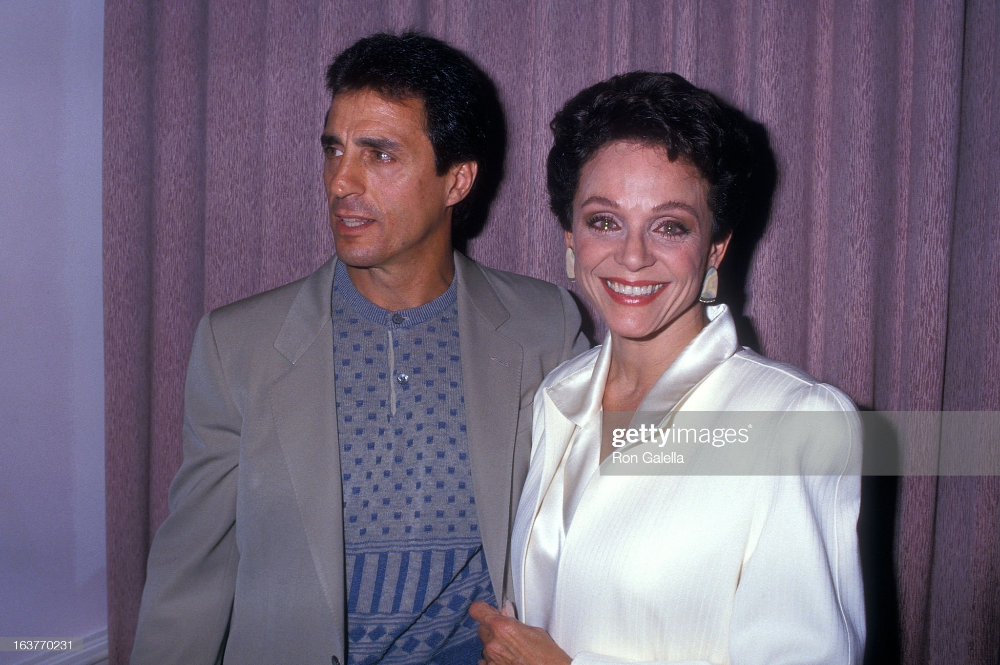 actress-valerie-harper-and-husband-tony-cacciotti-attend-valerie-picture-id163770231