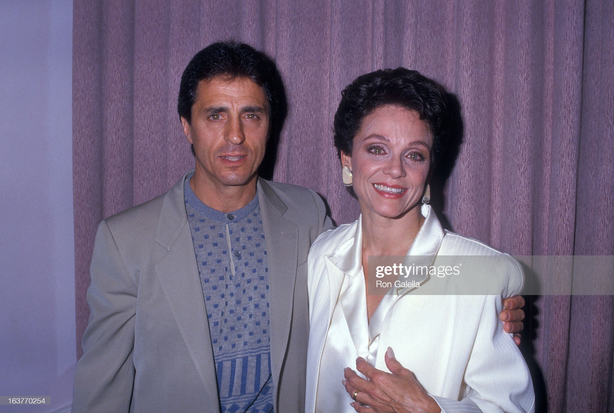 actress-valerie-harper-and-husband-tony-cacciotti-attend-valerie-picture-id163770254