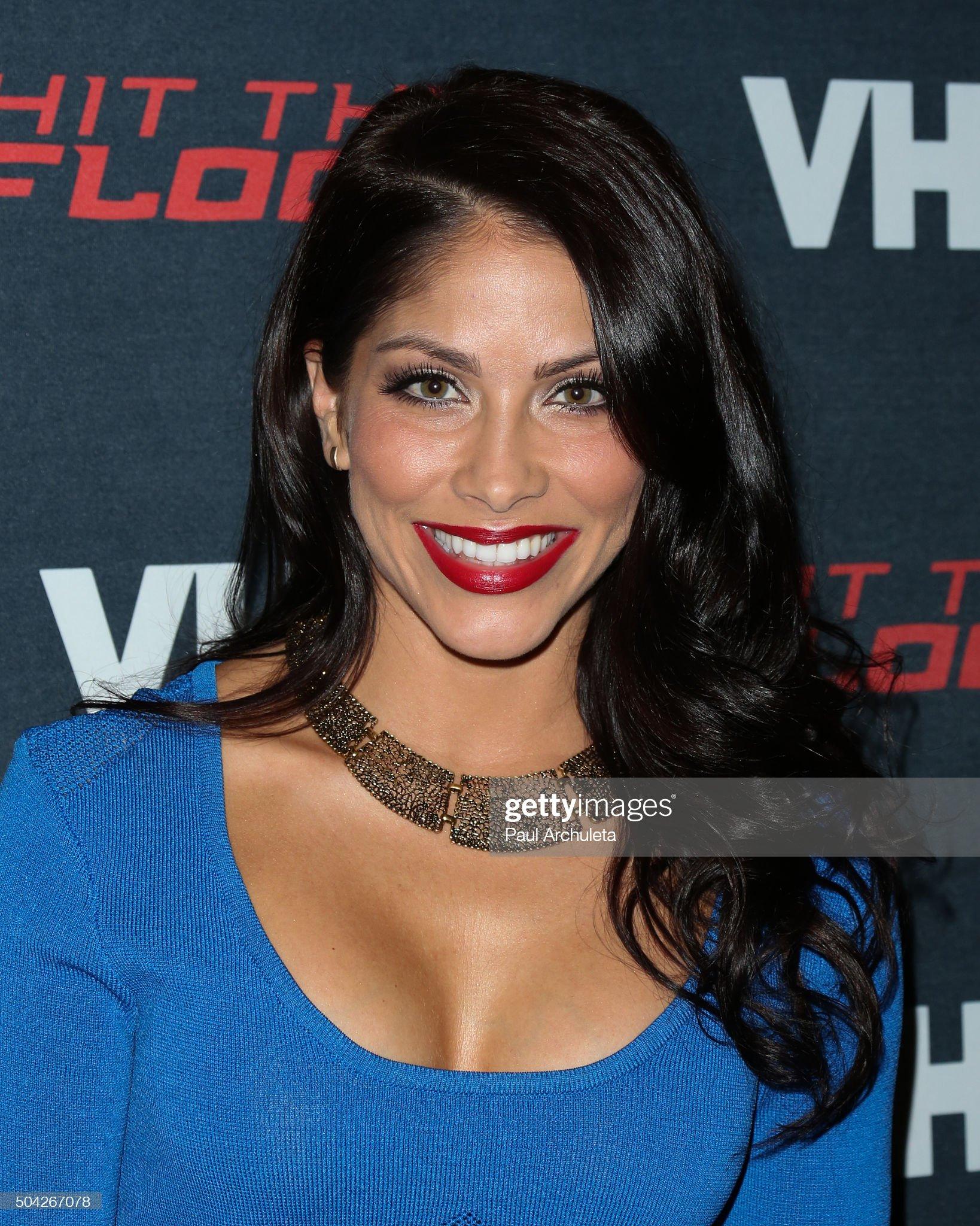 DEBATE sobre belleza, guapura y hermosura (fotos de chicas latinas, mestizas, y de todo) - VOL II - Página 9 Actress-valery-ortiz-attends-the-premiere-of-vh1s-hit-the-floor-3-at-picture-id504267078?s=2048x2048