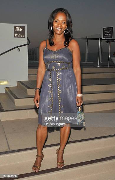 Actress Vanessa Bell Calloway attends a party hosted by actress Regina Taylor in celebration of the recent opening of the play Crowns at Pasadena...