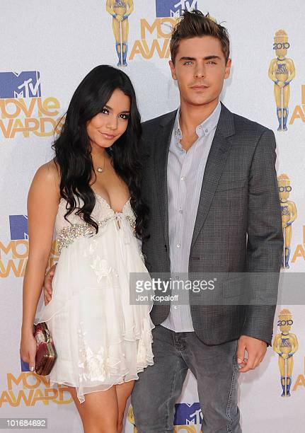 Actress Vanessa Hudgens and actor Zac Efron arrive at the 2010 MTV Movie Awards Arrivals at Gibson Amphitheatre on June 6, 2010 in Universal City,...