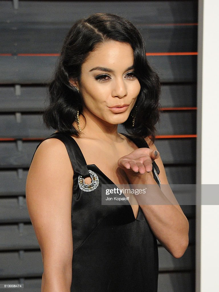 Actress Vanessa Hudgens attends the 2016 Vanity Fair Oscar Party hosted By Graydon Carter at Wallis Annenberg Center for the Performing Arts on February 28, 2016 in Beverly Hills, California.