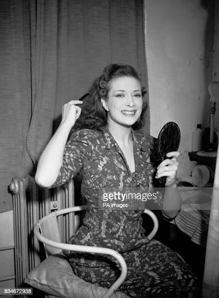 Actress Vanessa Lee prepares in her dressing room for her return to the play as the leading lady opposite Ivor Novello after she was forced to leave...