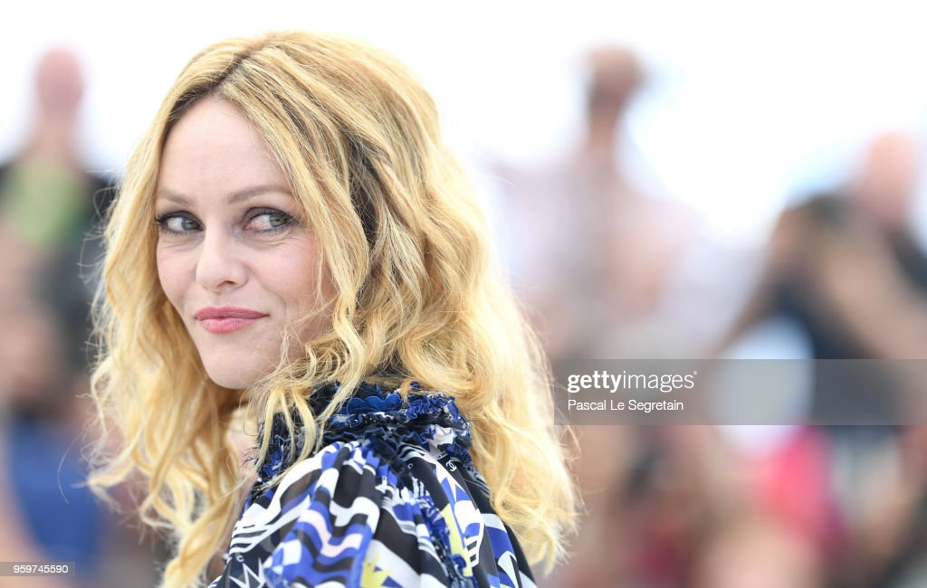 "FRA: ""Knife + Heart (Un Couteau Dans Le Coeur)"" Photocall - The 71st Annual Cannes Film Festival"