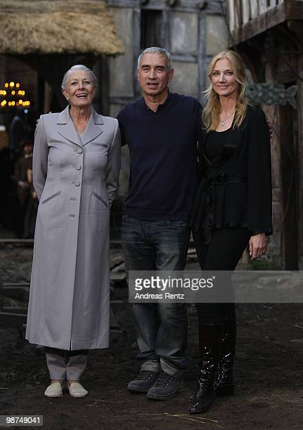 Actress Vanessa Redgrave director Roland Emmerich and actress Joely Richardson attend a photocall to promote the new movie 'Anonymous' at Studio...