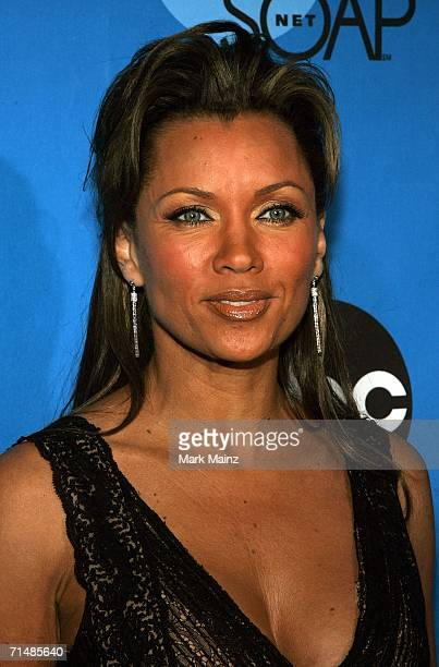 Actress Vanessa Williams arrives to the Disney ABC Television Group All Star Party at the Wisteria Courtyard at Kidspace Children's Museum on July 19...