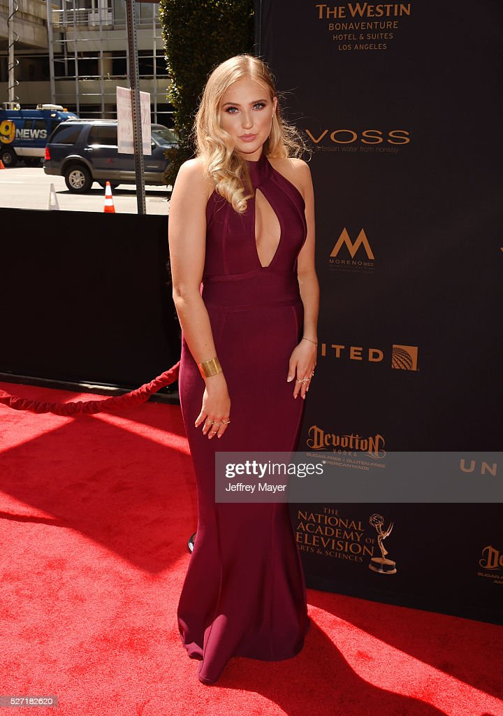 Actress Veronica Dunne attends the 2016 Daytime Emmy Awards - Arrivals at Westin Bonaventure Hotel on May 1, 2016 in Los Angeles, California.