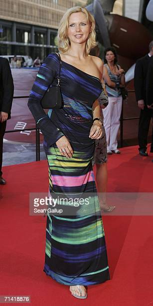 """Actress Veronica Ferres arrives for the German premiere of """"Poseidon"""" July 11, 2006 at the Berlinale Palast in Berlin, Germany."""