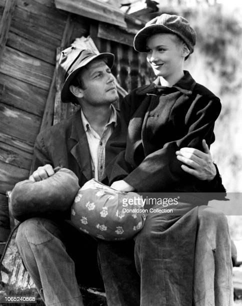 Actress Veronica Lakeand Joel McCrea in a scene from the movie Sullivan's Travels