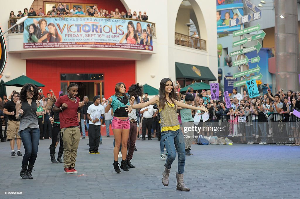 victorious freak the freak out song download