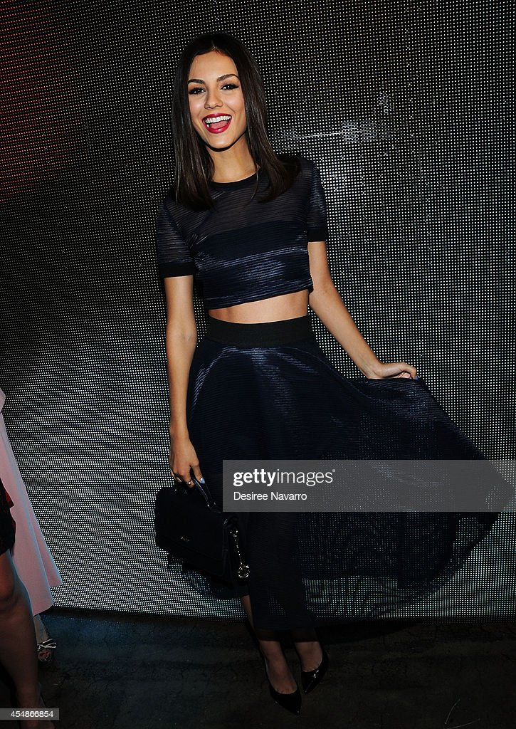 DKNY - Front Row & Backstage - Mercedes-Benz Fashion Week Spring 2015 : News Photo