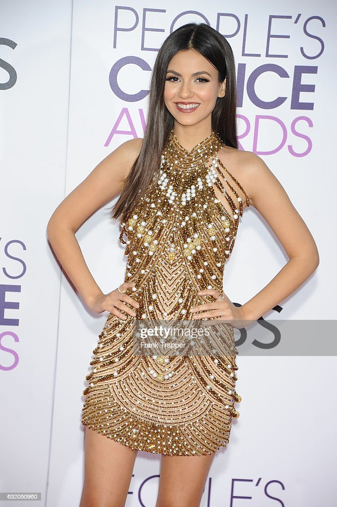 Actress Victoria Justice attends the People's Choice Awards 2017 at Microsoft Theater on January 18, 2017 in Los Angeles, California.